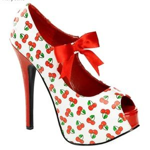 New Cherry high heels 👠 by Pinup Couture